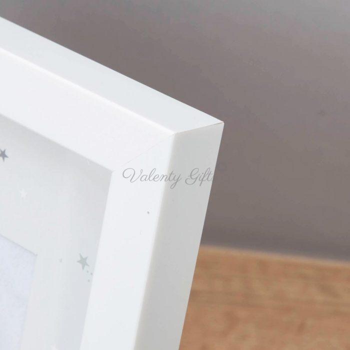бяла-рамка-за-бебешка-снимка