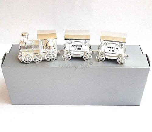 Сребърно влакче сувенир върху кутия