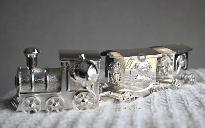 посребрено-влакче-подарък-за-новородено
