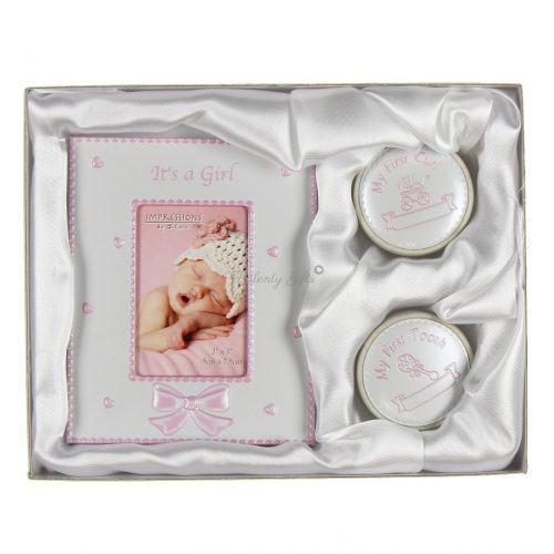 Рамка за снимка и две кутийки с надписи It's a boy, My first Curl, My first tooth