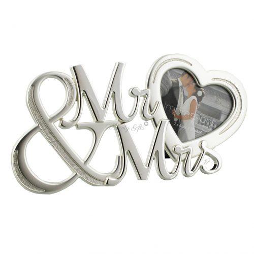 Рамка за снимка сърце и надпис Mr.& Mrs.