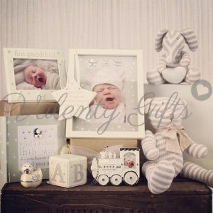Рамки за снимки, албум, кутия и мече, подарък за бебе