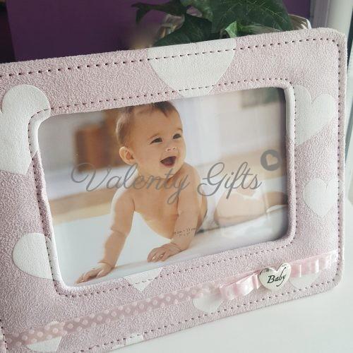 Розова рамка за снимка със сърчица и панделка