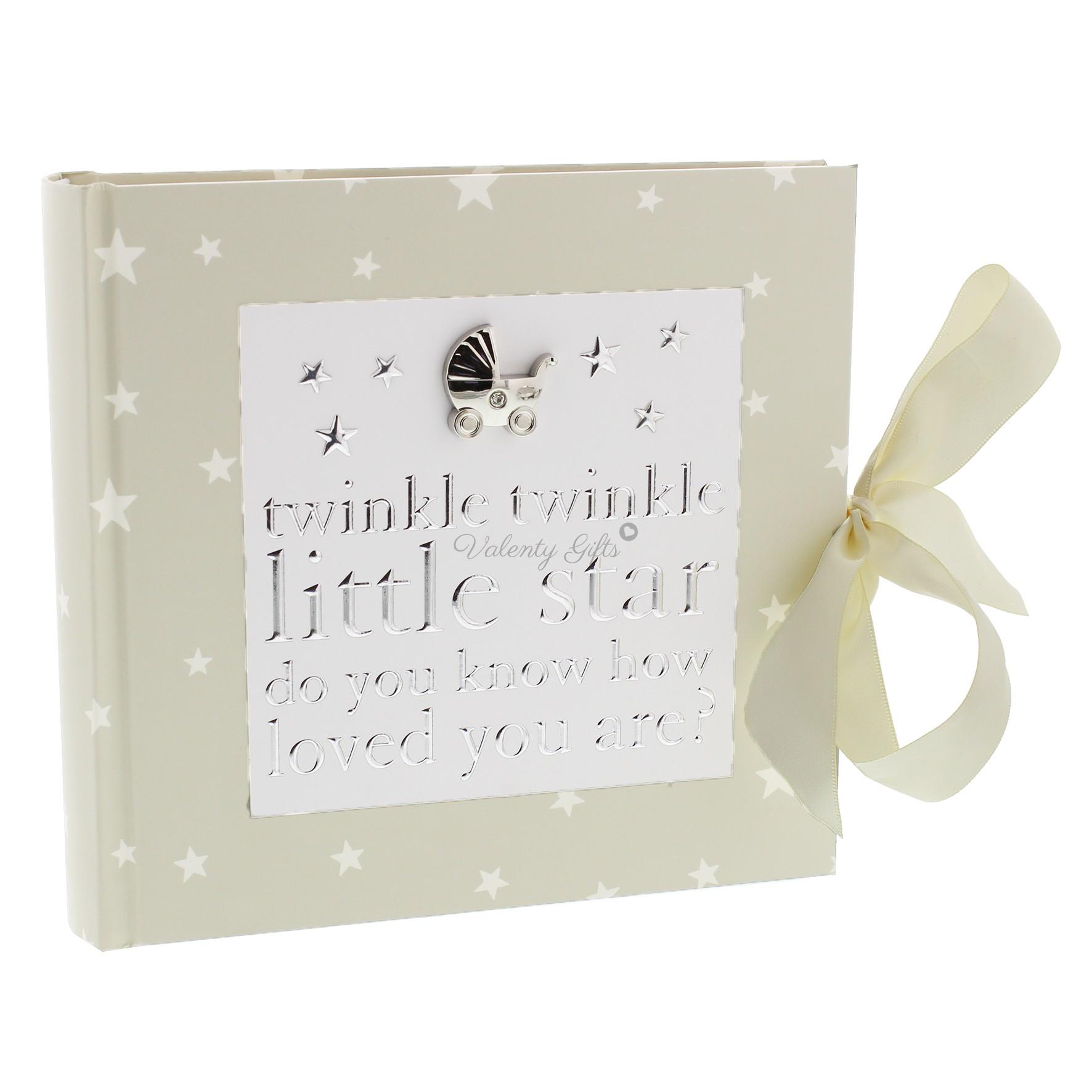 Бял албум за снимки с панделка и сребърна детска количка и надпис Twinkle Twinkle