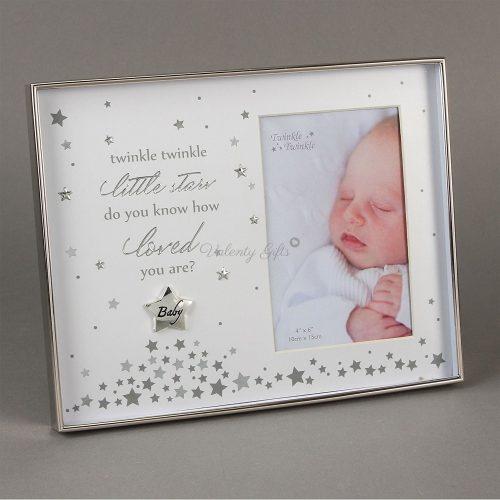 Сребърна-рамка-бебешка-снимка-със-звездичка