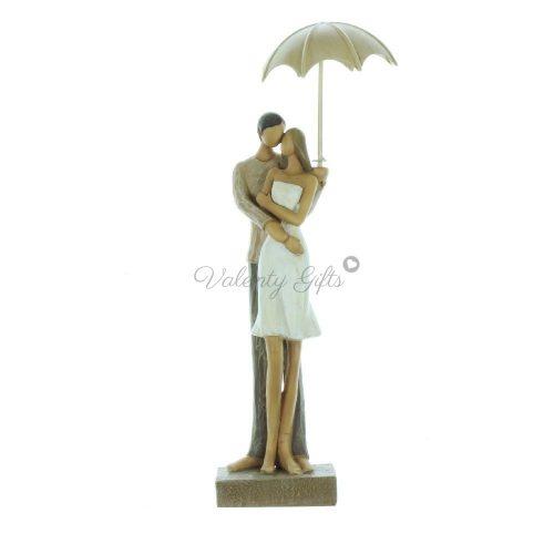 сувенир-статуетка-мъж-и-жена-под-чадър